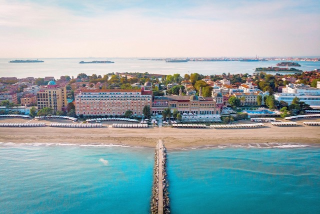 Summer pop-up by two-star Michelin chef on Hotel Excelsior's Venice Lido Beach